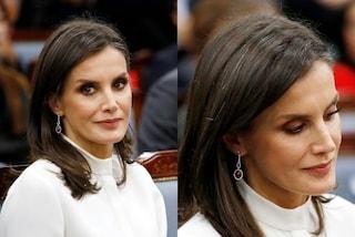 Letizia di Spagna con i capelli bianchi, il coraggio di una regina che non ha paura di invecchiare
