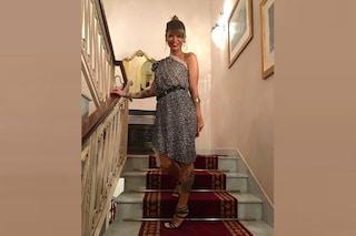 Alessandra Amoroso in versione maculata: per l'esibizione a Malta monospalla e chignon
