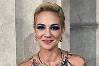 Asia Argento, il cambio look è drastico: ora ha i capelli cortissimi e biondi