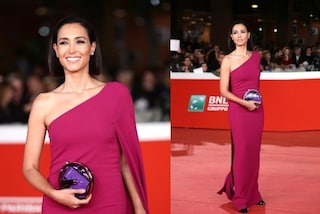 Caterina Balivo dalla tv al red carpet, al Roma Film Fest in fucsia e con la borsa metallica