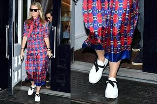 Gwyneth Paltrow lancia il trend per l'autunno 2019: l'abito a stampa si indossa con le sneaker