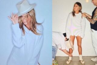 Jennifer Aniston con pantofole e calzettoni, rivela cosa accade realmente su un set fotografico