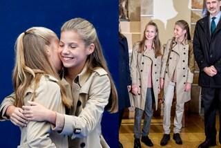 Leonor e Sofia di Spagna, addio abiti bon ton: le principesse indossano trench e pantaloni da uomo