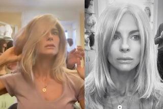 Martina Colombari e la passione per i cambi look, dopo la chioma scura passa ai capelli lunghi