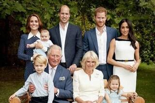 Royal Family, le regole da rispettare ai banchetti: si mangia dopo la regina e non si varia il menù