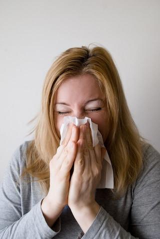 """Influenza stagionale: """"Lavate spesso le mani"""". L'esperto ci spiega come prepararsi e come prevenirla"""