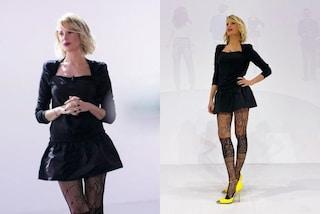 Alessia Marcuzzi lancia la moda per l'inverno: i collant (vistosi) si abbinano alle scarpe colorate