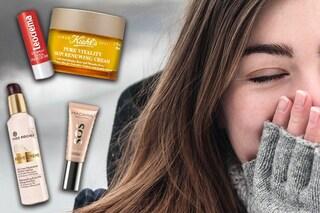 Come curare la pelle di viso e corpo in autunno: i consigli per prepararla al freddo