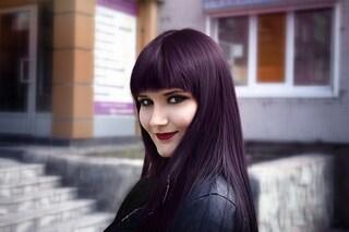 Chocolate lilac hair: il nuovo colore dell'autunno 2019 che unisce il viola al castano