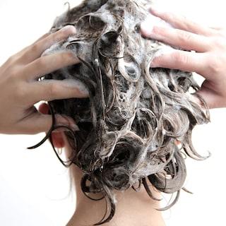 I 10 migliori shampoo antiforfora
