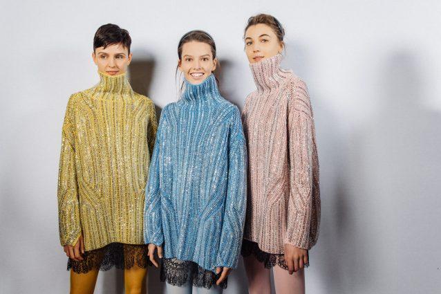 Vestiti di moda per l'inverno 2019-2020: il maglione si indossa come un mini abito