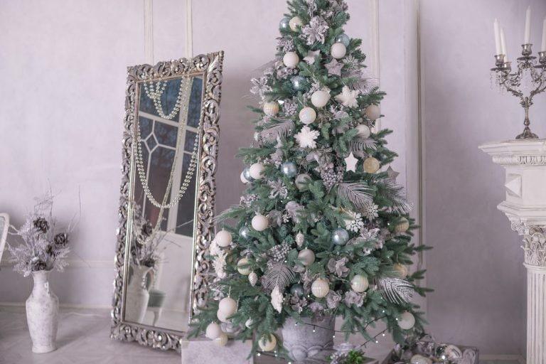 Alberi Di Natale Eleganti Immagini.Albero Di Natale 2019 Tendenze Colori E Addobbi