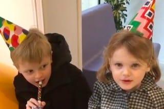 I 5 anni di Jacques e Gabriella: i gemelli di Monaco con i cappelli da festa sono più dolci che mai