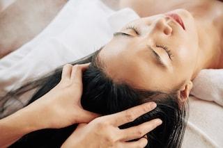 Massaggio al cuoio capelluto: benefici e come eseguirlo