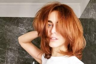 Miriam Leone ritorna rossa, per le feste di Natale cambia taglio e colore di capelli