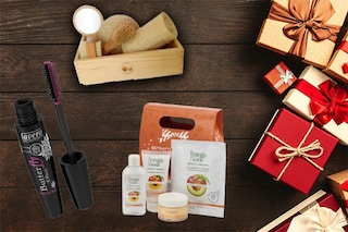Natale 2019, regali bio da mettere sotto l'albero: make up, creme e prodotti naturali
