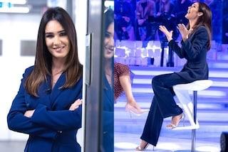 Silvia Toffanin in giacca e pantaloni, a Verissimo segue il trend del completo da uomo