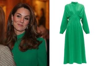 Kate Middleton splendida in verde, abbina l'abito da oltre mille euro agli orecchini della regina