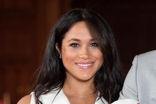 """Meghan Markle """"sfruttata"""" dalla stilista di gioielli, la Royal Family si infuria"""