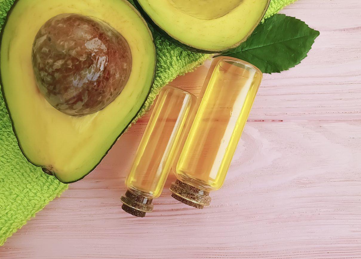 Macchie Di Unto Sulla Pelle olio di avocado: proprietà e usi cosmetici per pelle e capelli