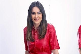 Silvia Toffanin a Verissimo: spopola il look natalizio con l'abito rosso