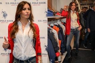 Elisabetta Gregoraci, addio tacchi e paillettes: sbarca al Pitti Uomo 97 in jeans e camicia bianca