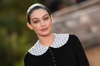 Chanel sfila a Parigi: nel giardino dell'infanzia di Coco trionfa lo stile monacale