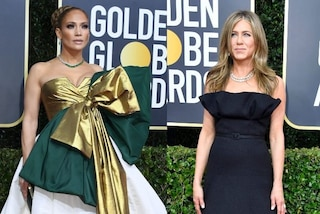Golden Globe 2020, J.Lo come un pacco regalo, la Aniston in nero: i look delle star sul red carpet