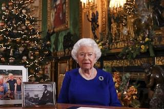 La regina Elisabetta tiene le decorazioni di Natale fino a febbraio, il motivo è davvero commovente