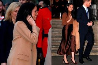 Meghan Markle torna in pubblico dopo la pausa, abbina il cappotto cammello alla gonna di raso