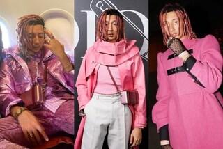 Ghali cambia stile e passa al total pink: dai dread agli abiti, i suoi look sono un trionfo del rosa