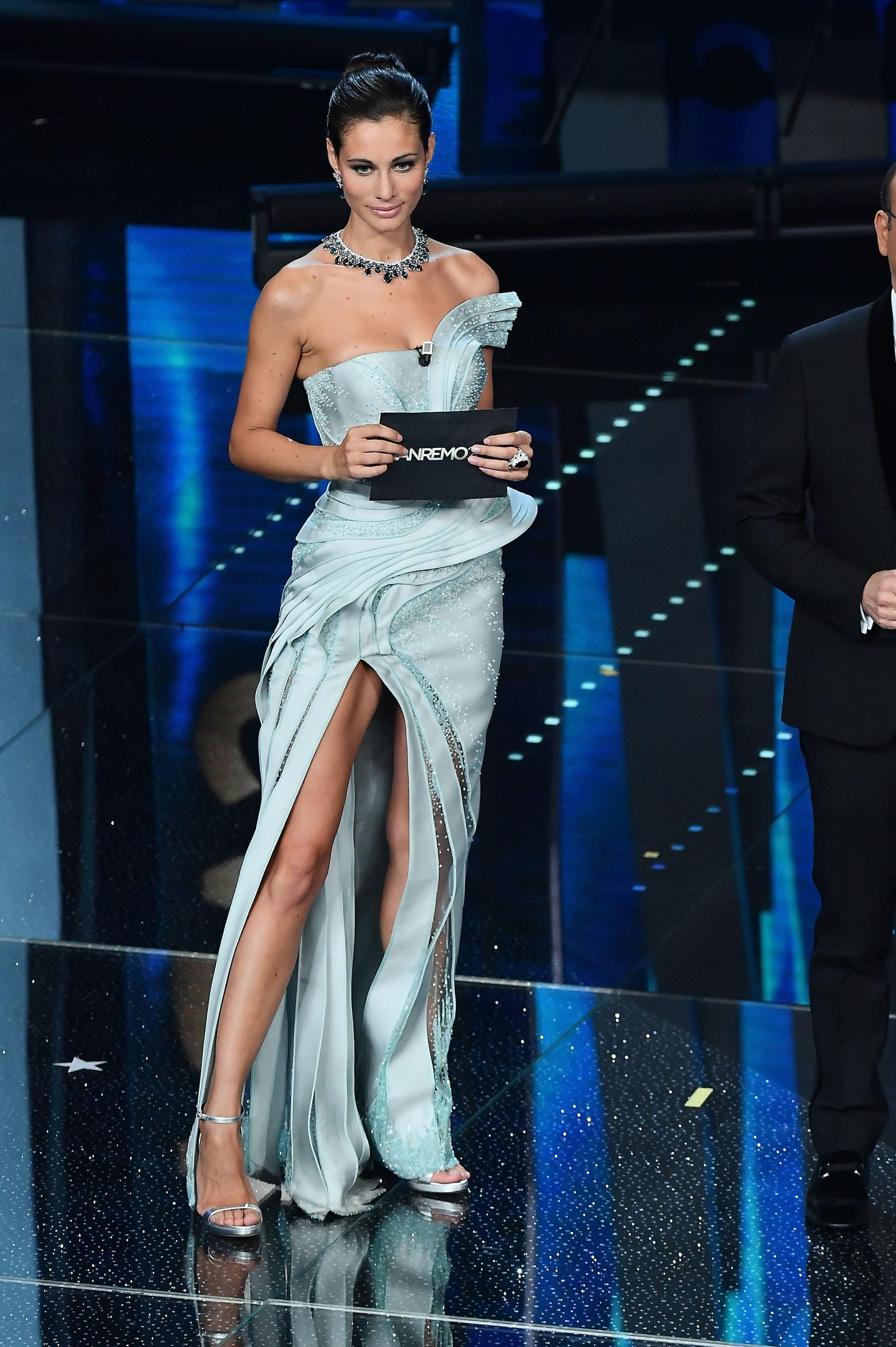 Marica Pellegrinelli con abito Atelier Versace a Sanremo 2017