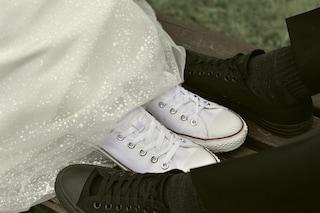 Matrimonio in sneakers, sposarsi senza tacchi è il trend più glamour (e comodo) del 2020