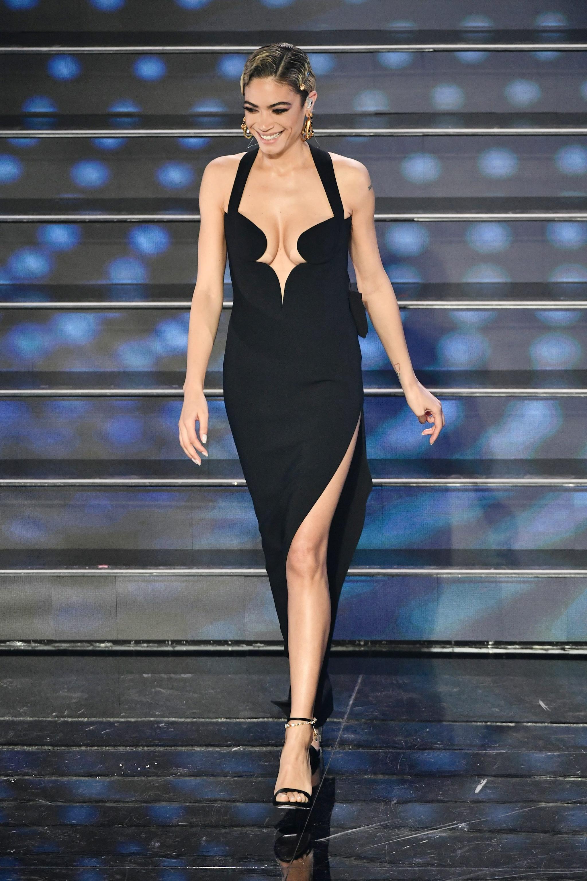 Il look di Elodie per la finale di Sanremo