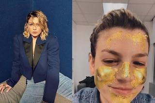 Emma Marrone, maschera in oro 24 carati prima di salire sul palco della prima puntata di Amici 19