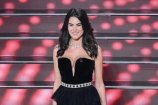 I look di Francesca Sofia Novello a Sanremo: nella quarta serata splendida in nero