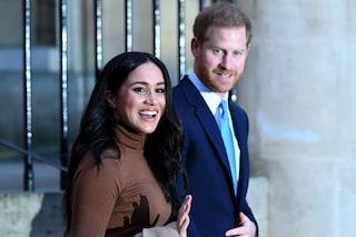 Harry e Meghan accettano la richiesta della regina ma rispondono: la parola royal non è di nessuno
