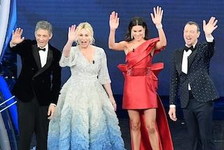 Le pagelle di stile della quarta serata di Sanremo: no all'oro di Amadeus, vince il look di Elodie