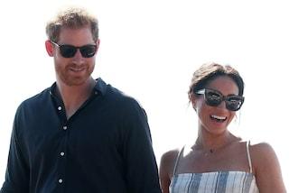 Meghan ed Harry licenziano il loro staff di Buckingham Palace, non vogliono più tornare a Londra