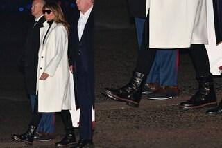 Melania Trump cambia stile, dice addio ai tacchi e indossa gli anfibi bassi da quasi 500 euro