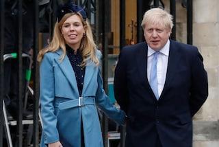 Carrie Symonds, chi è la fidanzata (incinta) del premier inglese apparsa al fianco dei Royals