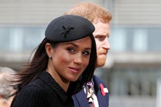Meghan Markle ha già perso il titolo: per le associazioni benefiche non è più Sua Altezza Reale