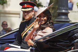 Harry e Meghan, l'addio ai Windsor è ufficiale anche sui social: non si firmano più Sussex Royal