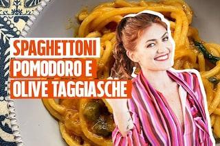 Spaghettone di Gragnano con pomodorini, olive taggiasche e capperi: la ricetta di Chiara Maci