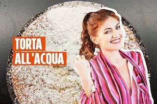 Torta all'acqua da fare in un minuto: la ricetta veloce di Chiara Maci