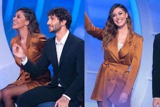Belén Rodriguez a C'è Posta per Te: l'abito giacca costa quasi 2mila euro ma il top è riciclato