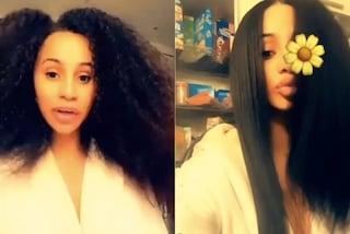 Cardi B senza trucco e con i capelli al naturale: ha dei meravigliosi ricci afro