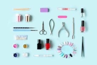 Come fare la manicure in casa: i 6 semplici step per ottenere un risultato professionale