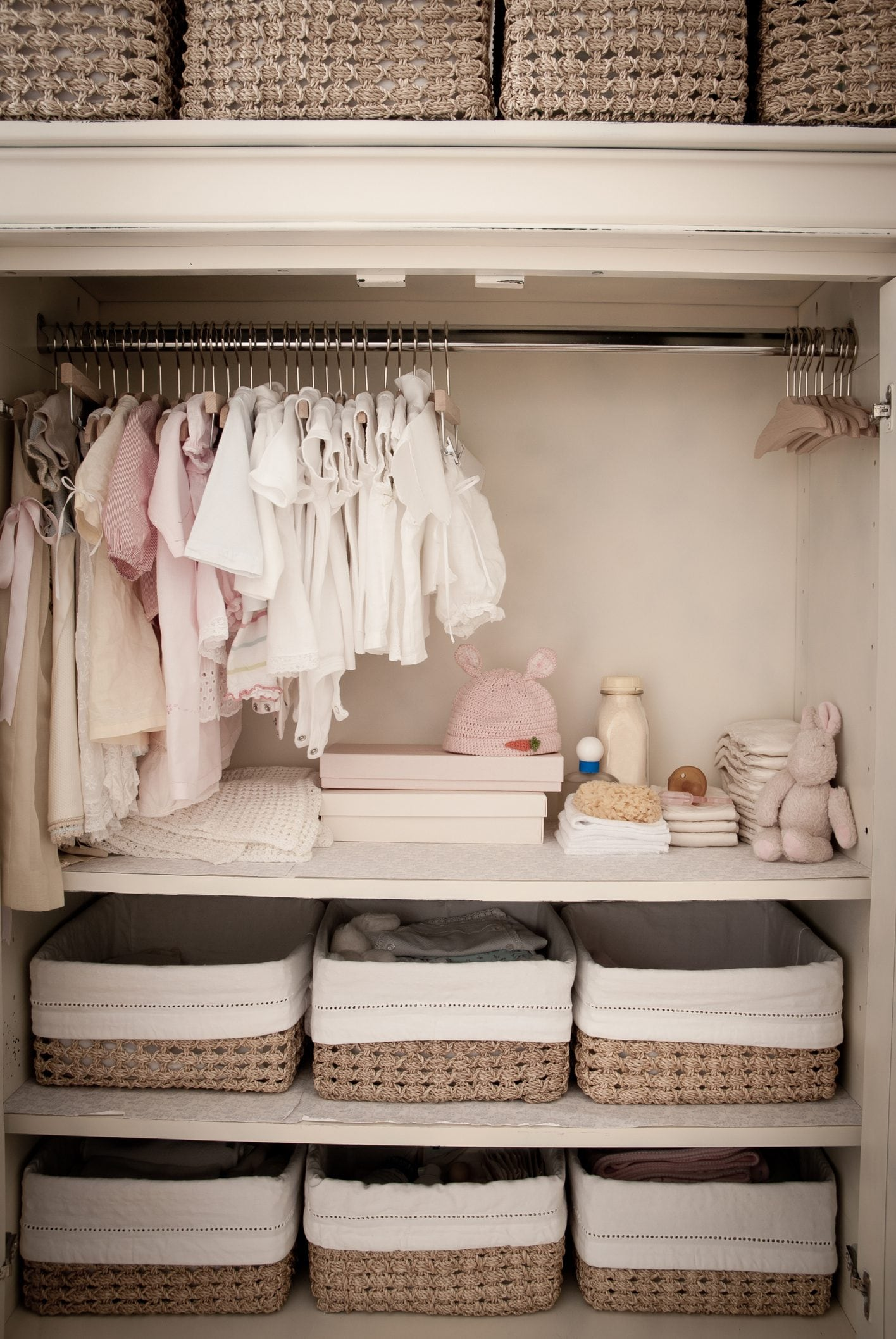 Come organizzare l'armadio dei bambini: consigli pratici