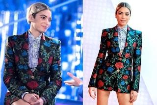 Elodie con il look a fiori a Verissimo: il mini abito giacca si porta con la camicia